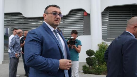 Министър Маринов се видя с футболните рефери