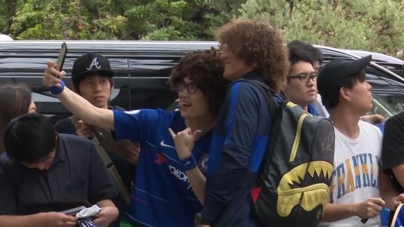 Фенове атакуваха Челси в Япония