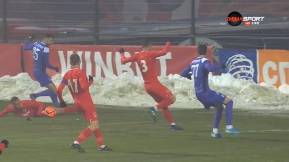 Футболистите на Етър с претенции за игра с ръка в наказателното поле на Царско село