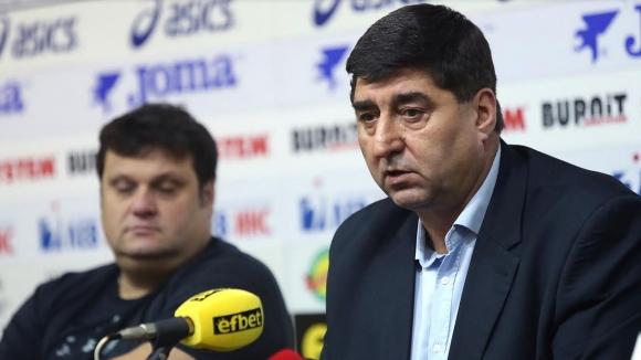 Боре Кьосев залага на малките клубове