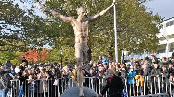 Вандали отново оскверниха статуята на Златан