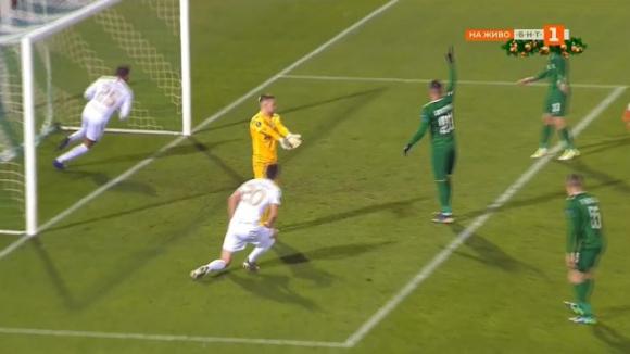 Сигневич вкара гол във вратата на Пламен Илиев в последната минута на добавеното време