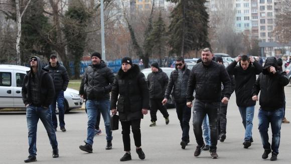 """Феновете на Левски пристигнаха на """"Герена"""" за срещата с Васил Божков"""
