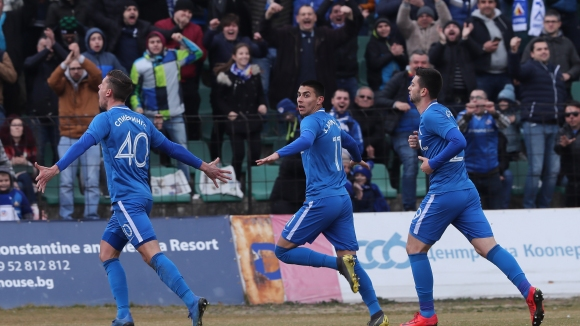 """Спиерингс с първи гол за Левски, """"сините"""" изравниха на Черно море"""