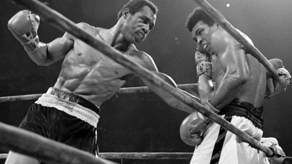 На този ден – Кен Нортън нанася изненадваща загуба на Мохамед Али