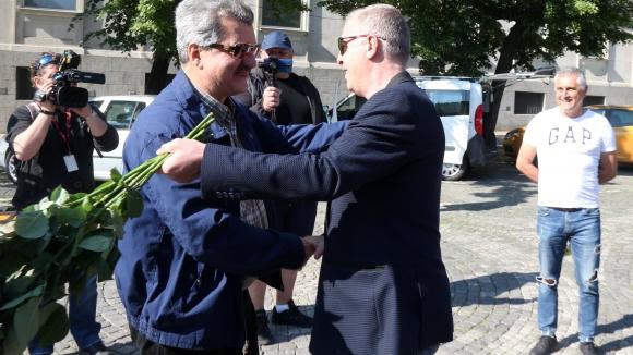 Наско Сираков, Павел Колев и Тодор Батков дойдоха да поднесат цветя за годишнината на Левски