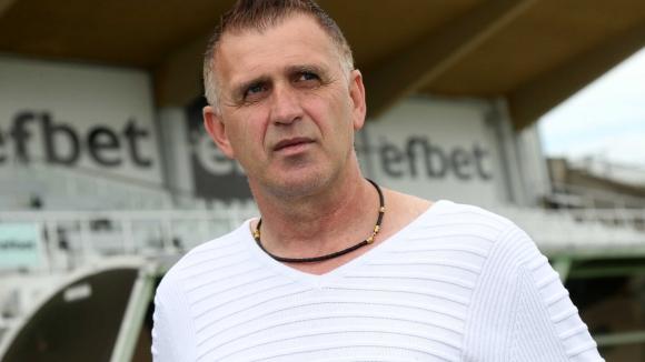 Акрапович: Предпочитам български футболисти, може да привлечем един или двама