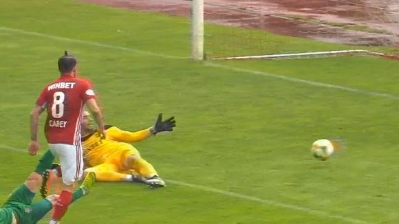 """Греъм Кери с бърз втори гол за """"червените"""" срещу Ботев (Враца)"""
