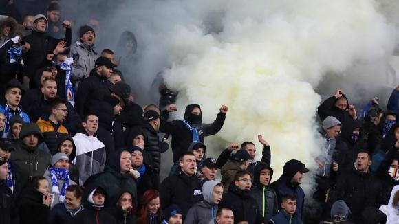 Добра новина за българския футбол! Ще има фенове по трибуните