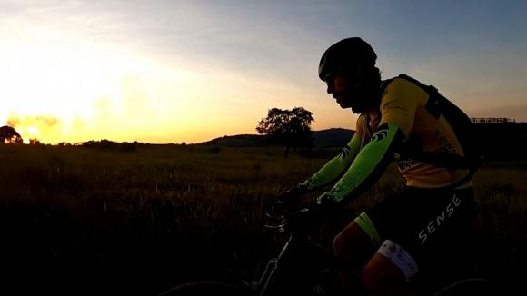 Бразилски ветеран пътува с колело към новия си отбор