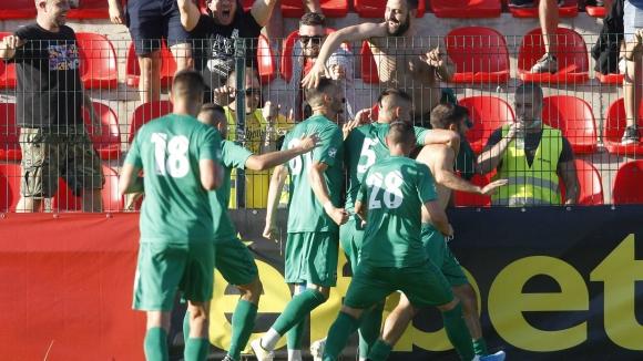 Ужасяваща грешка на Джони Пласид донесе втори гол на Атанасов и Ботев Вр