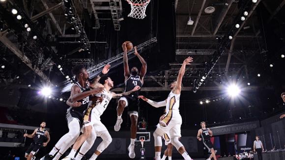Барнс с 25 точки в мач от НБА