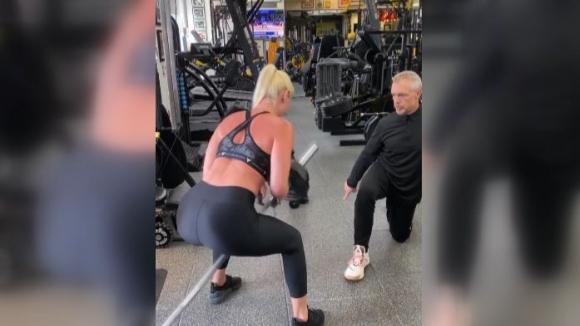 Линдзи Вон продължава с тежките тренировки във фитнеса