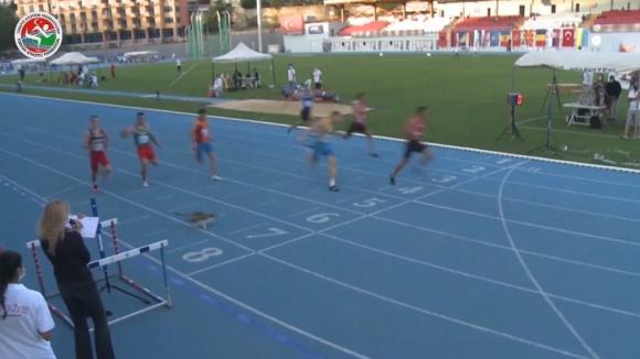 Котка стресна атлети на финала на 100м. в Истанбул