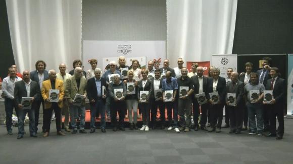 Невероятно : Книга събра олимпийското злато на България