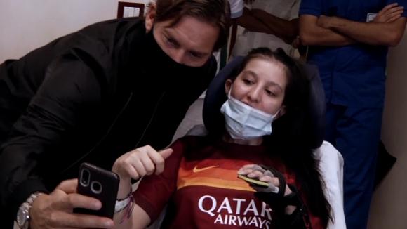 Франческо Тоти събуди момиче от 9-месечна кома с гласа си