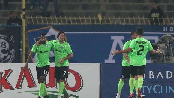 Курьор върна равенството в мача между Черно море и Левски