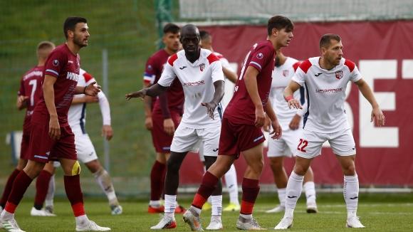 Септември (София) и Кариана (Ерден) с безлично 0:0 в дербито на Втора лига