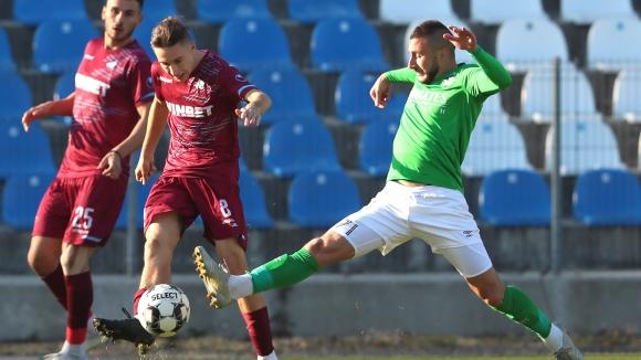 Пирин (Благоевград) превзе върха във Втора лига след 2:0 срещу Септември в София