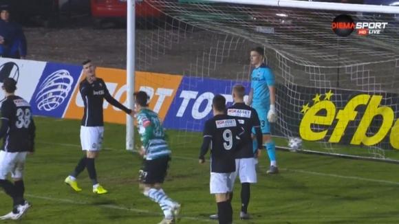 Втори гол с глава на Курьор и 3:1 за Черно море срещу Славия