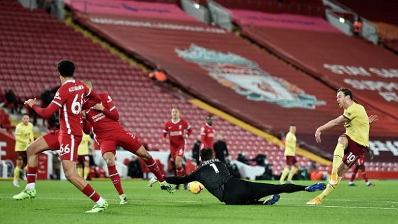 Бърнли изненада неприятно Ливърпул на Анфийлд като спечели с 1:0