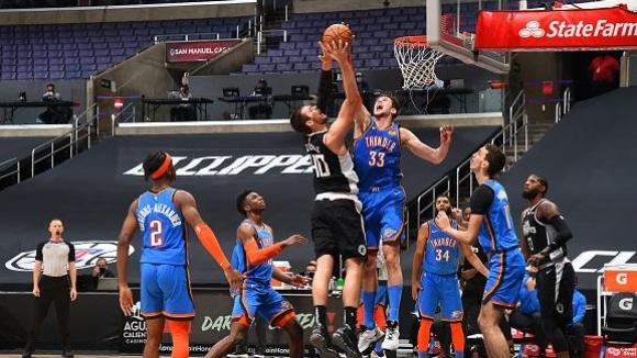 Кауай Ленард изведе Клипърс до нова победа в НБА